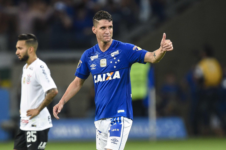 Cruzeiro vence Corinthians no primeiro jogo da final da Copa do Brasil