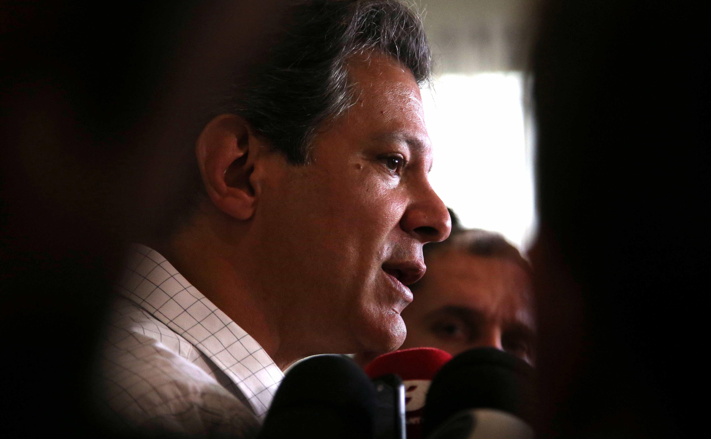 Haddad grava vídeo desafiando Bolsonaro a participar de debates