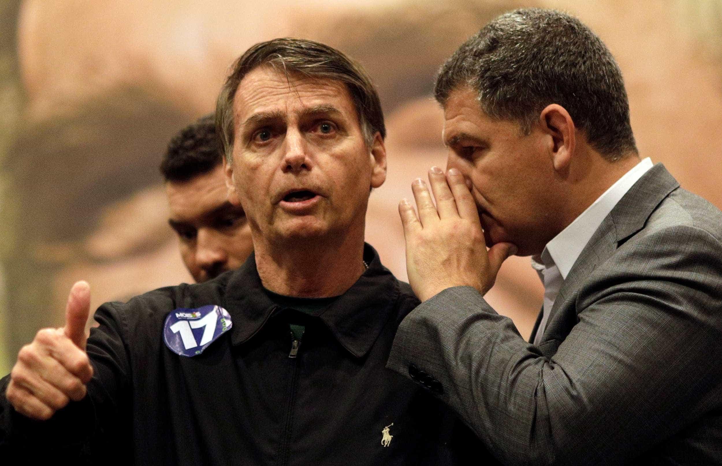 Bolsonaro anuncia três ministros, critica a mídia e reafirma bandeiras
