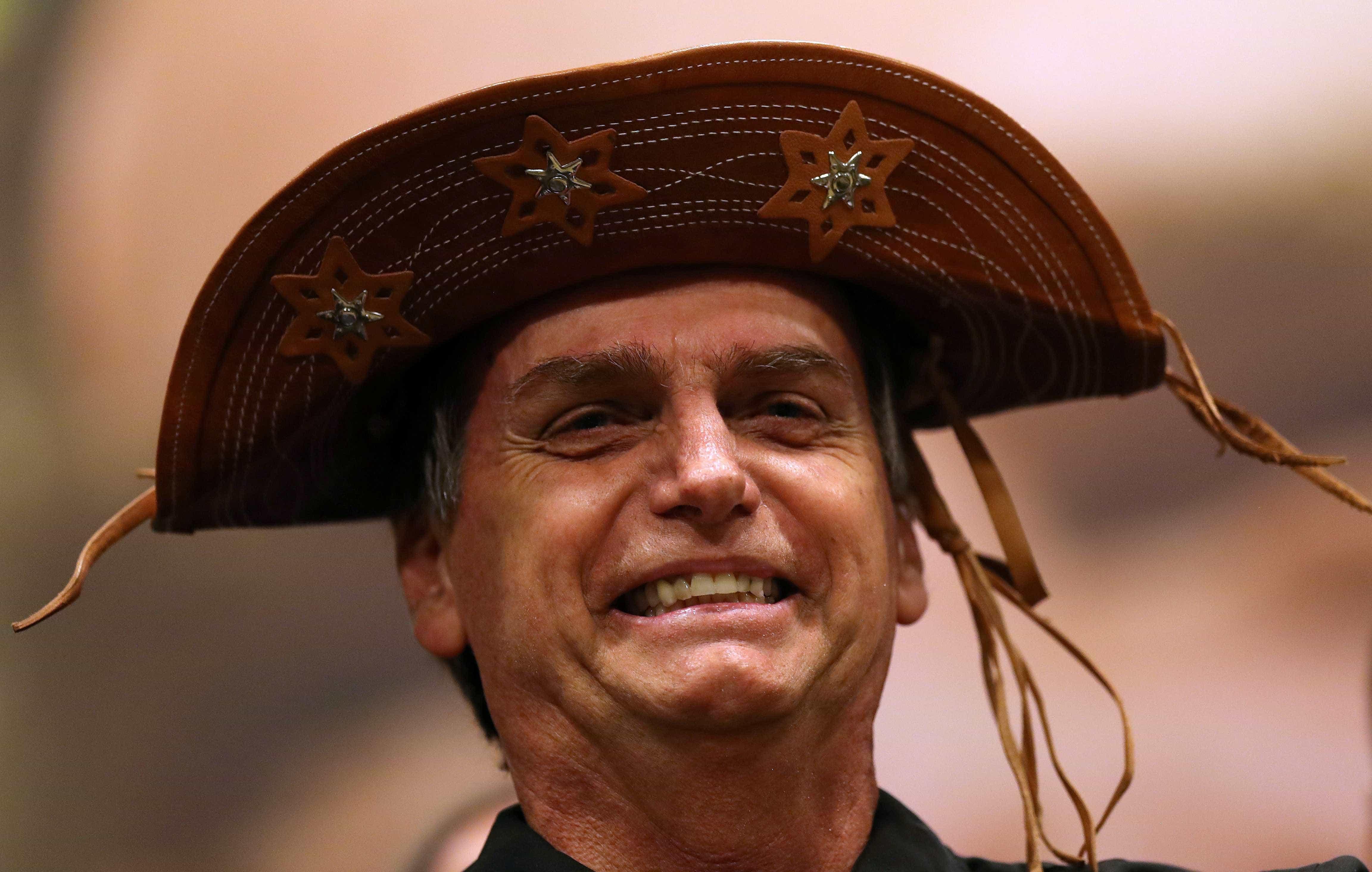 Na TV, Bolsonaro vai chorar ao mencionar sua mulher e atacará o PT