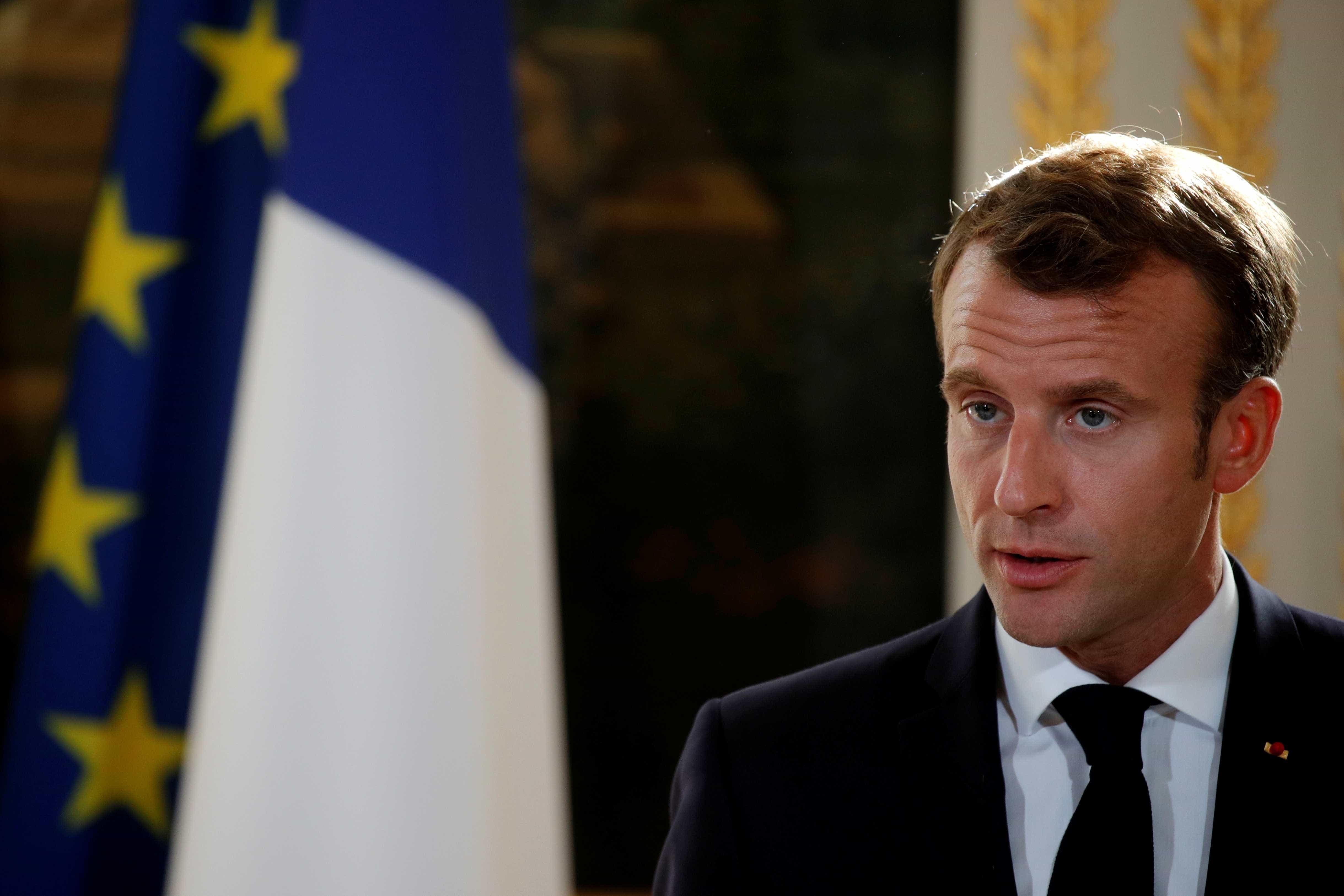 Macron fará encontro com entidades após protestos de 'coletes amarelos'