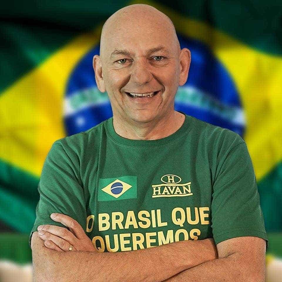 Dono da Havan: Caetano e Gil 'estavam do lado errado e continuam'