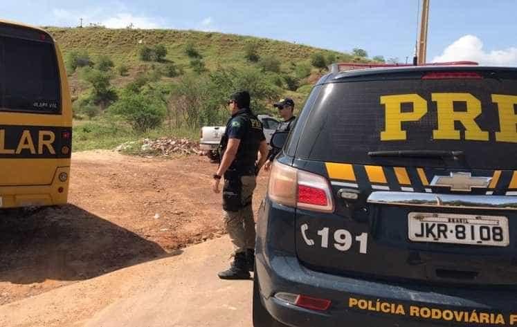 Acidente com ônibus escolar deixa ao menos 21 feridos no Piauí