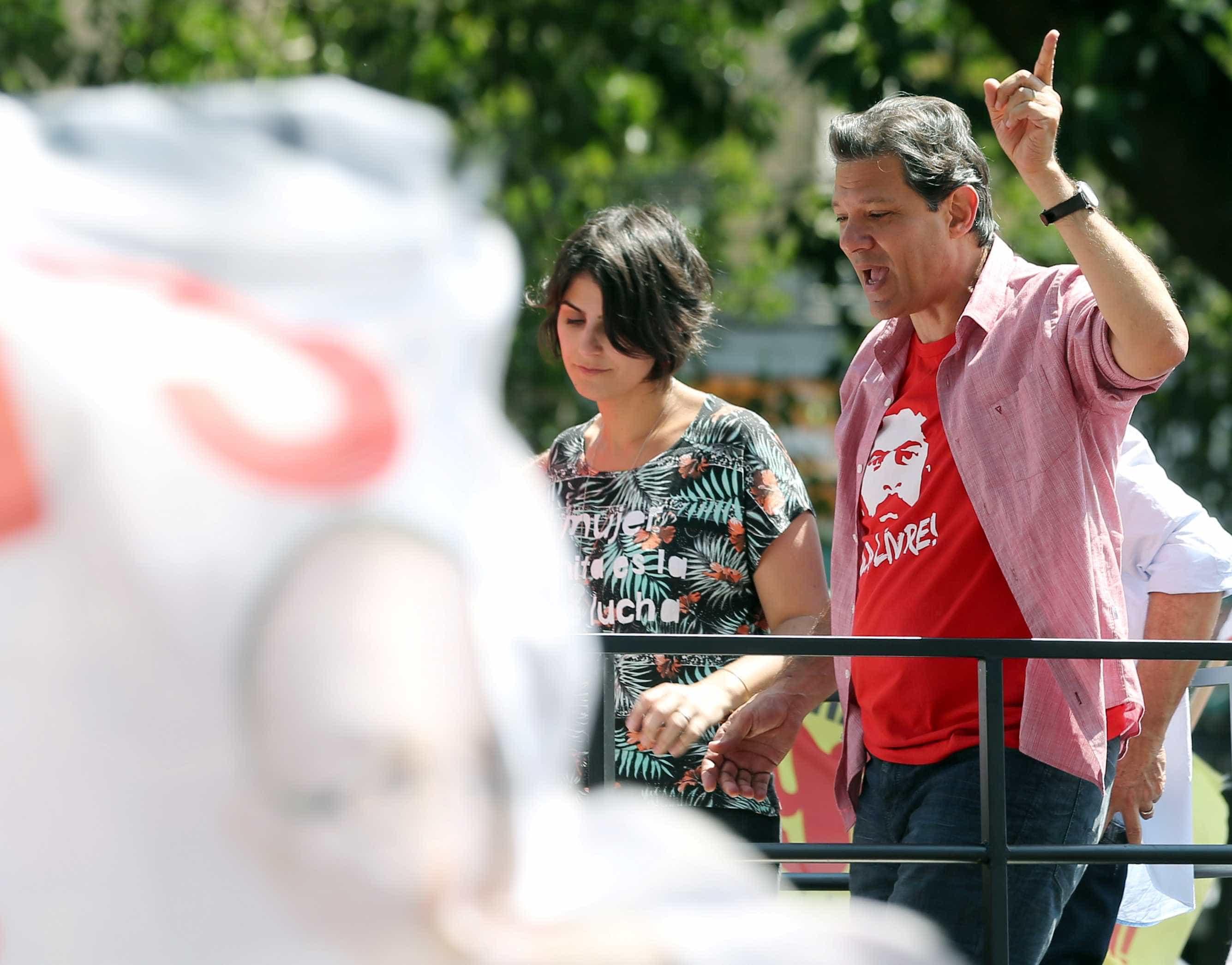 Campanha de Haddad resgata apelido dado por militares a Bolsonaro