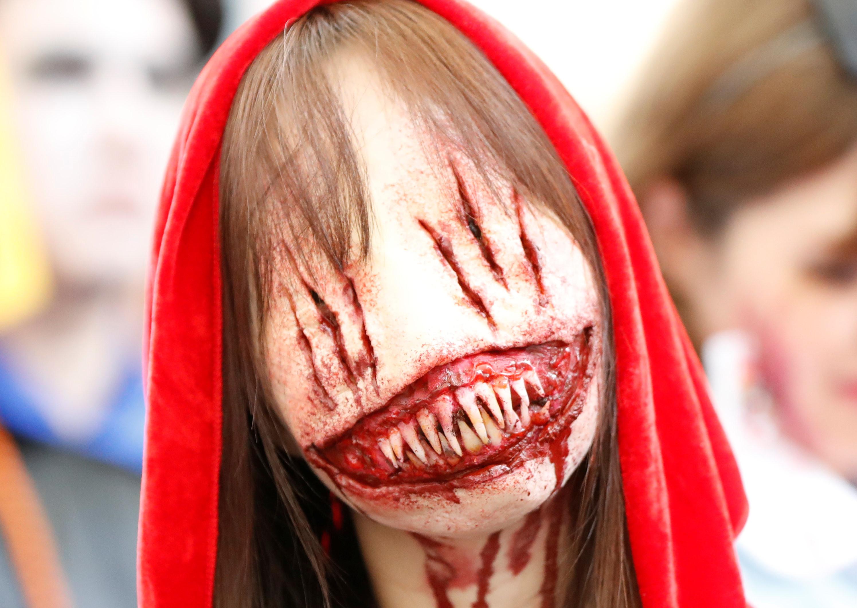Fantasias originais em paradas do Halloween pelo mundo