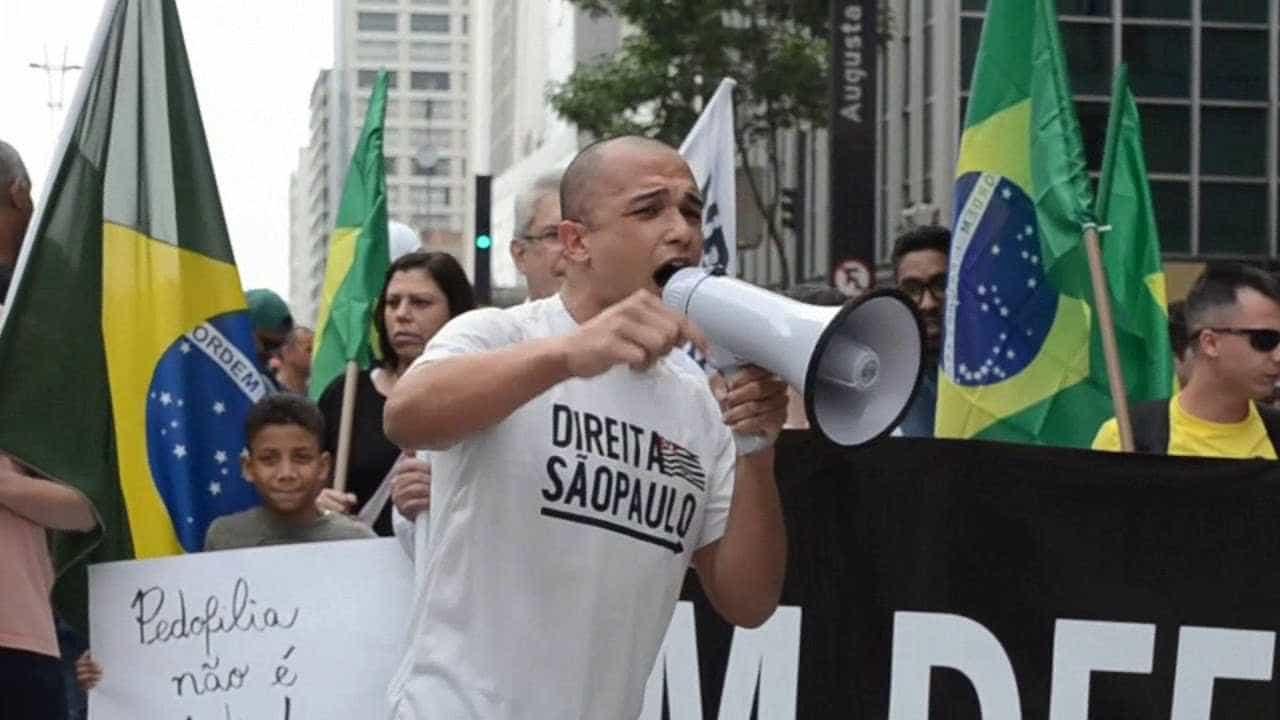 Deputado criador do 'Direita SP' quer denunciar 'ideologia em escolas'