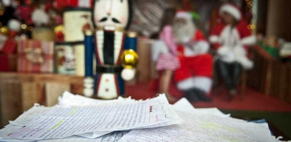 Papai Noel dos Correios: adote uma carta escrita por crianças