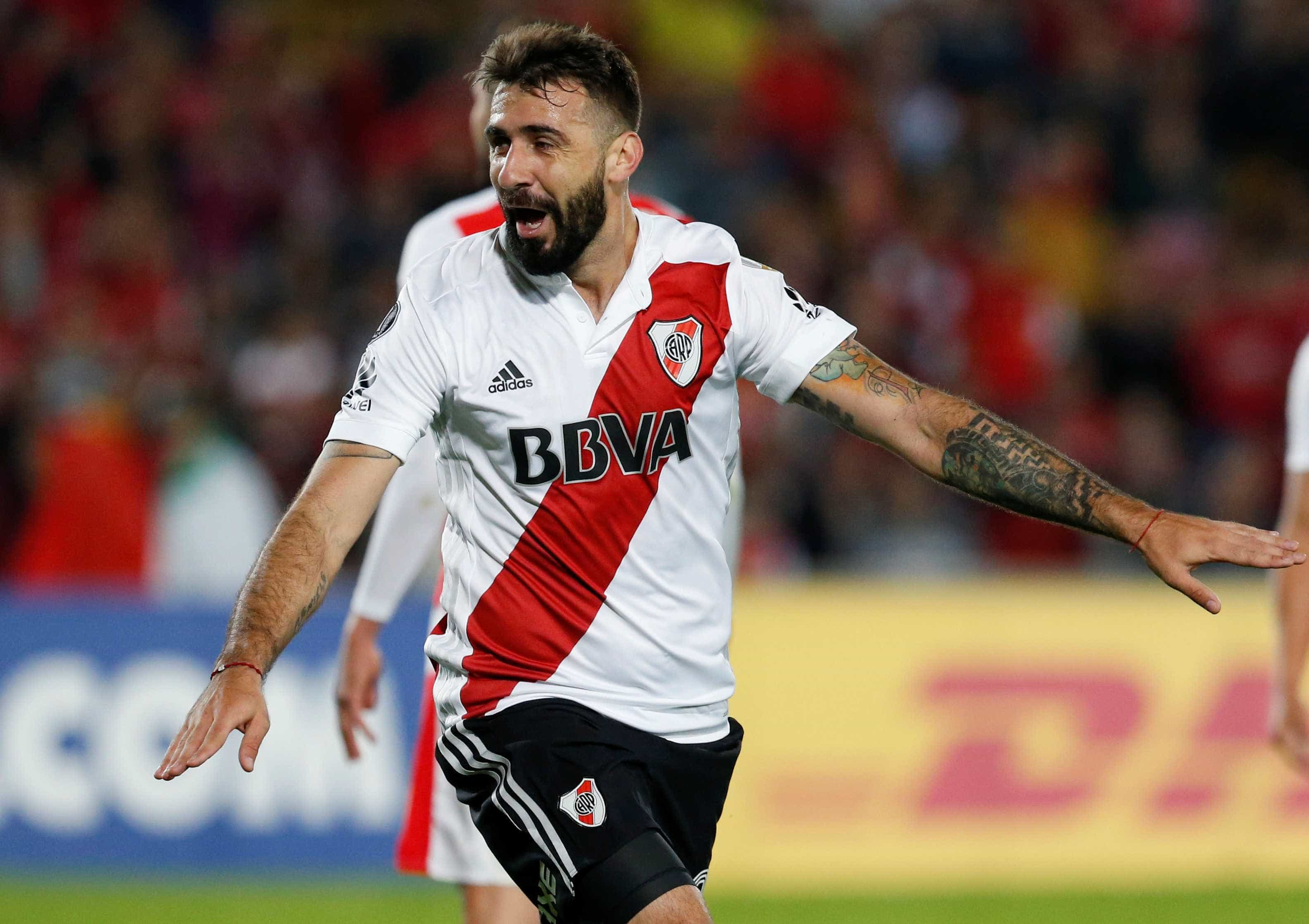 Torcedor do Boca, Pratto enfrenta seu time na final da Libertadores