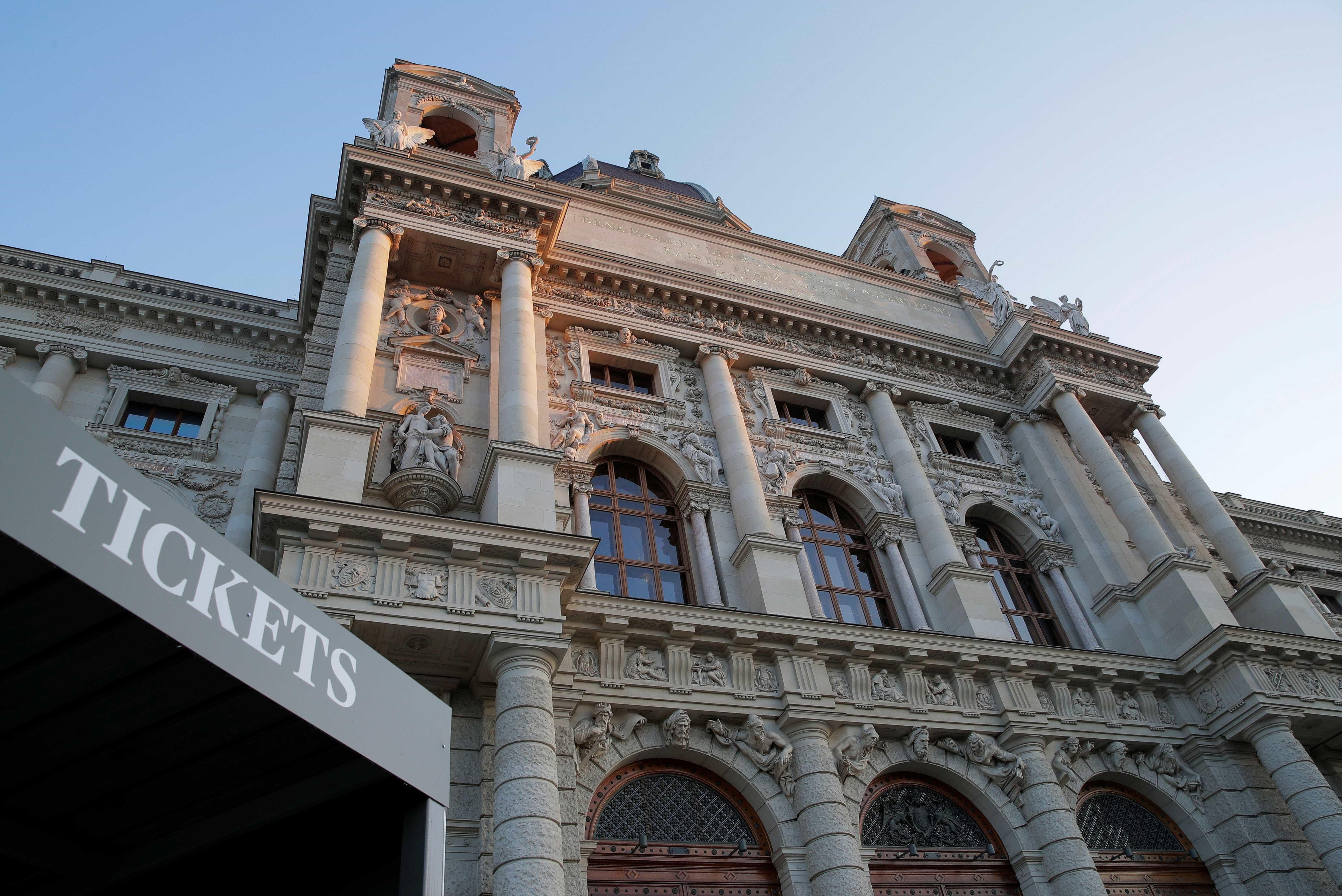 Diretor de cinema estreia como curador de exposição em musa Áustria