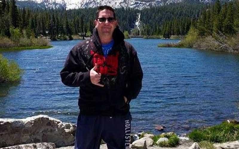 Veja quem é o sargento morto por atirador em bar na Califórnia