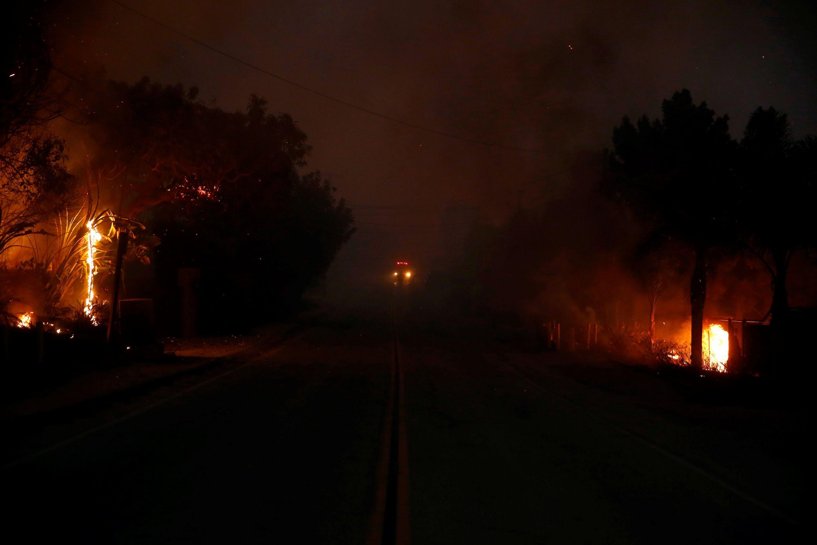 Sobe para 11 número de mortos em incêndios na Califórnia