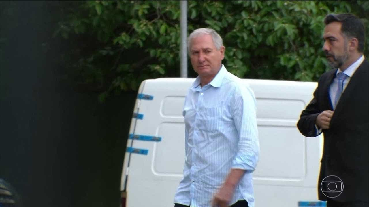 Alvo de ação que prendeu Joesley, ex-JBS se entrega em SP