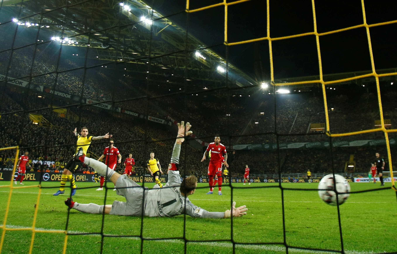 Borussia bate Bayern de Munique de virada e mantém vantagem na ponta