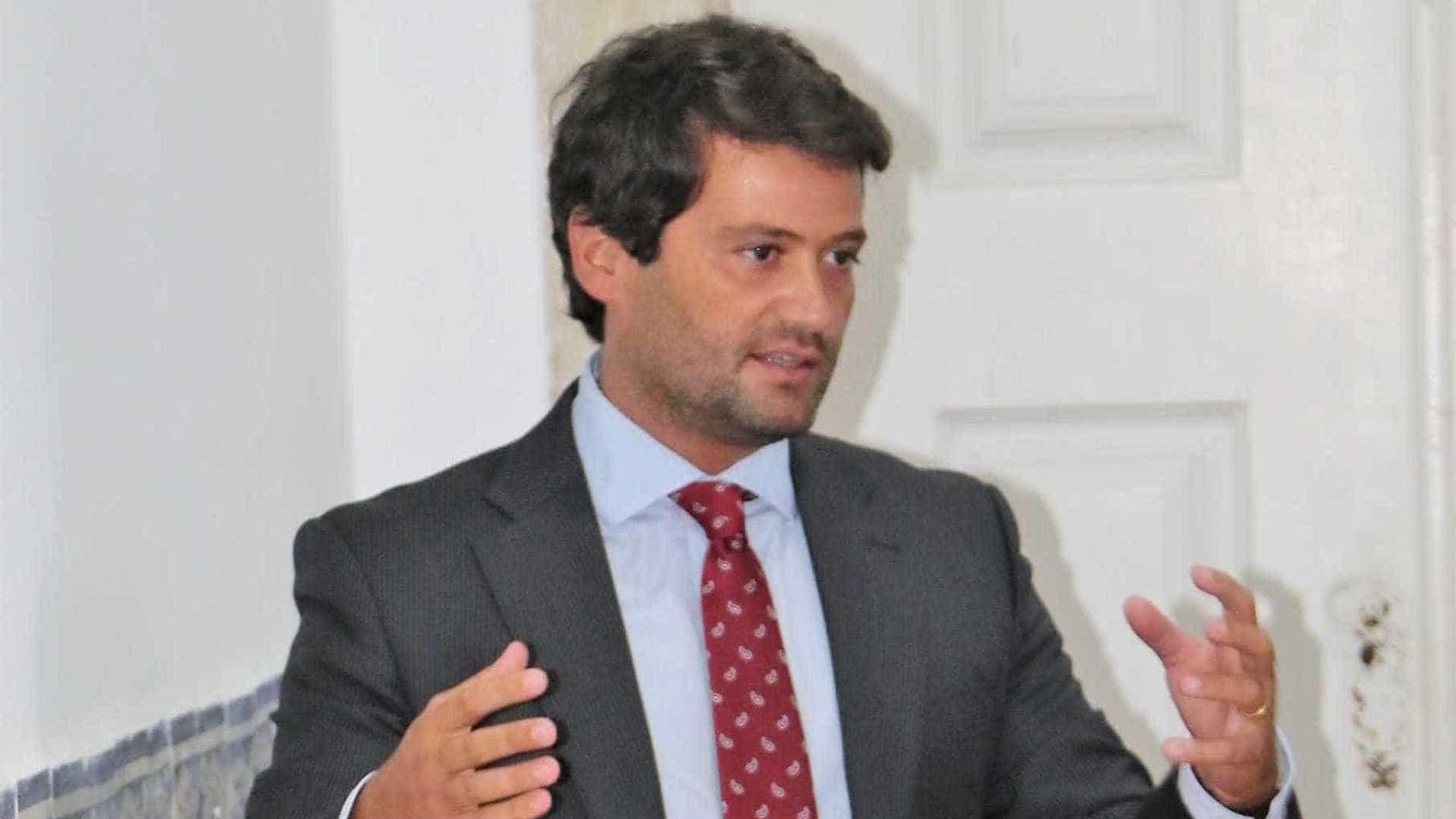 'Bolsonaro português' une populismo e polêmicas