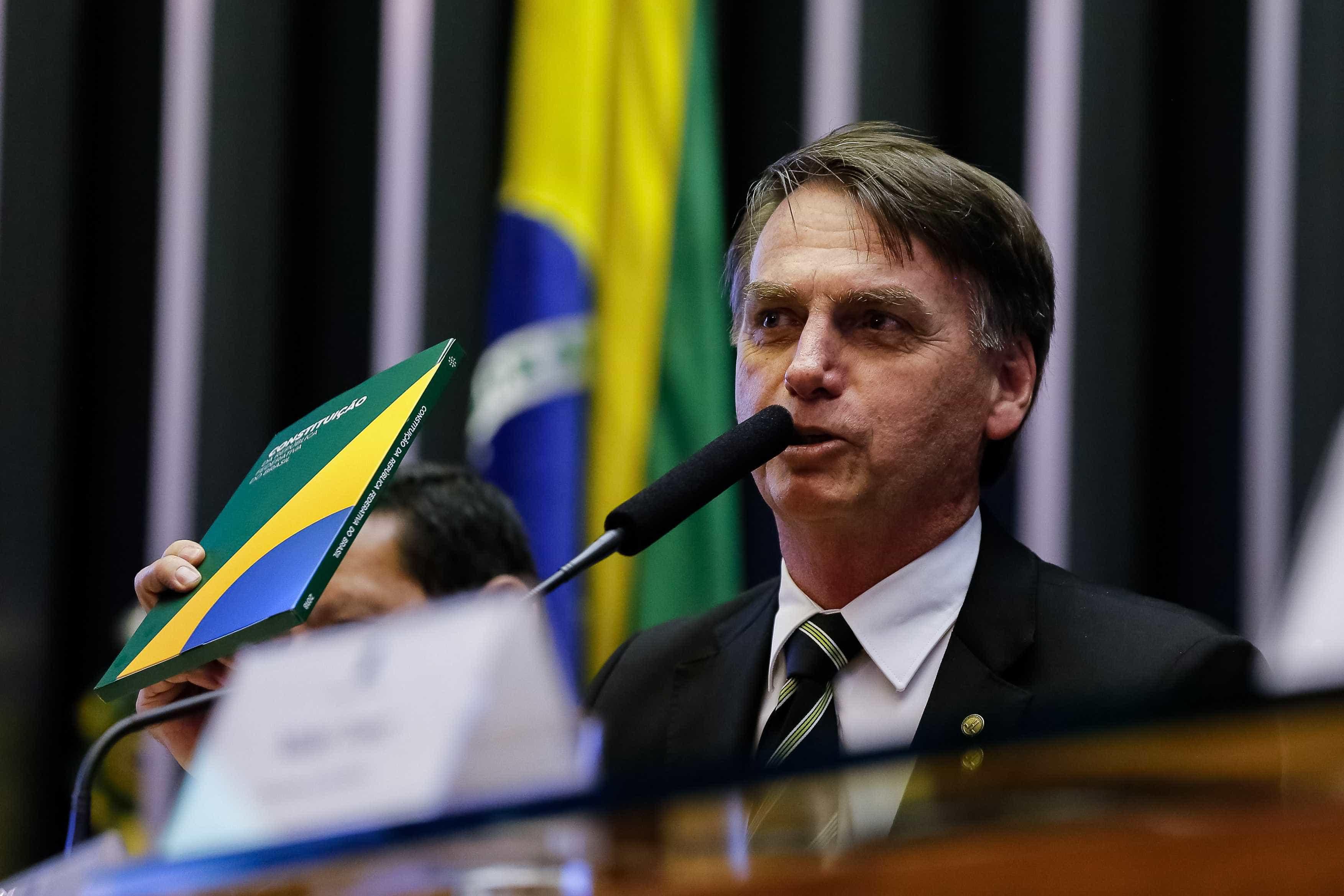 Bolsonaro viaja a Brasília para discutir Previdência e outros assuntos