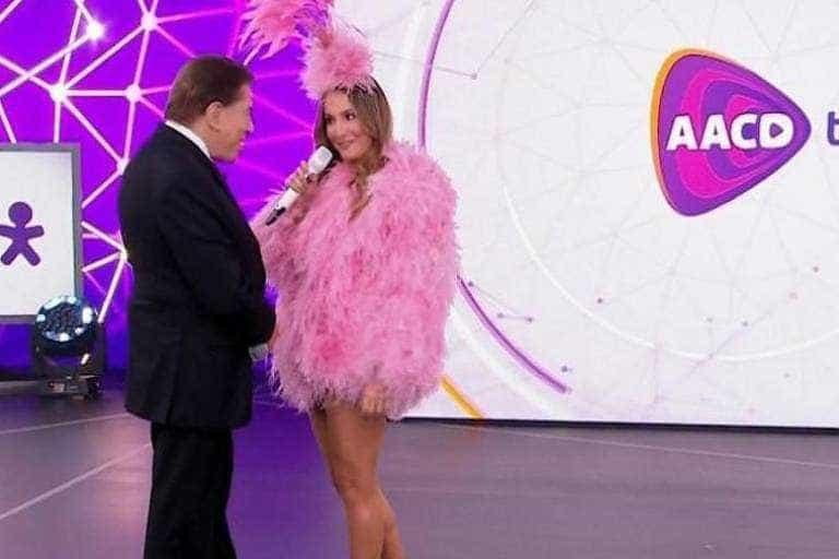 Fãs pressionam para que Silvio Santos se desculpe com Claudia Leitte