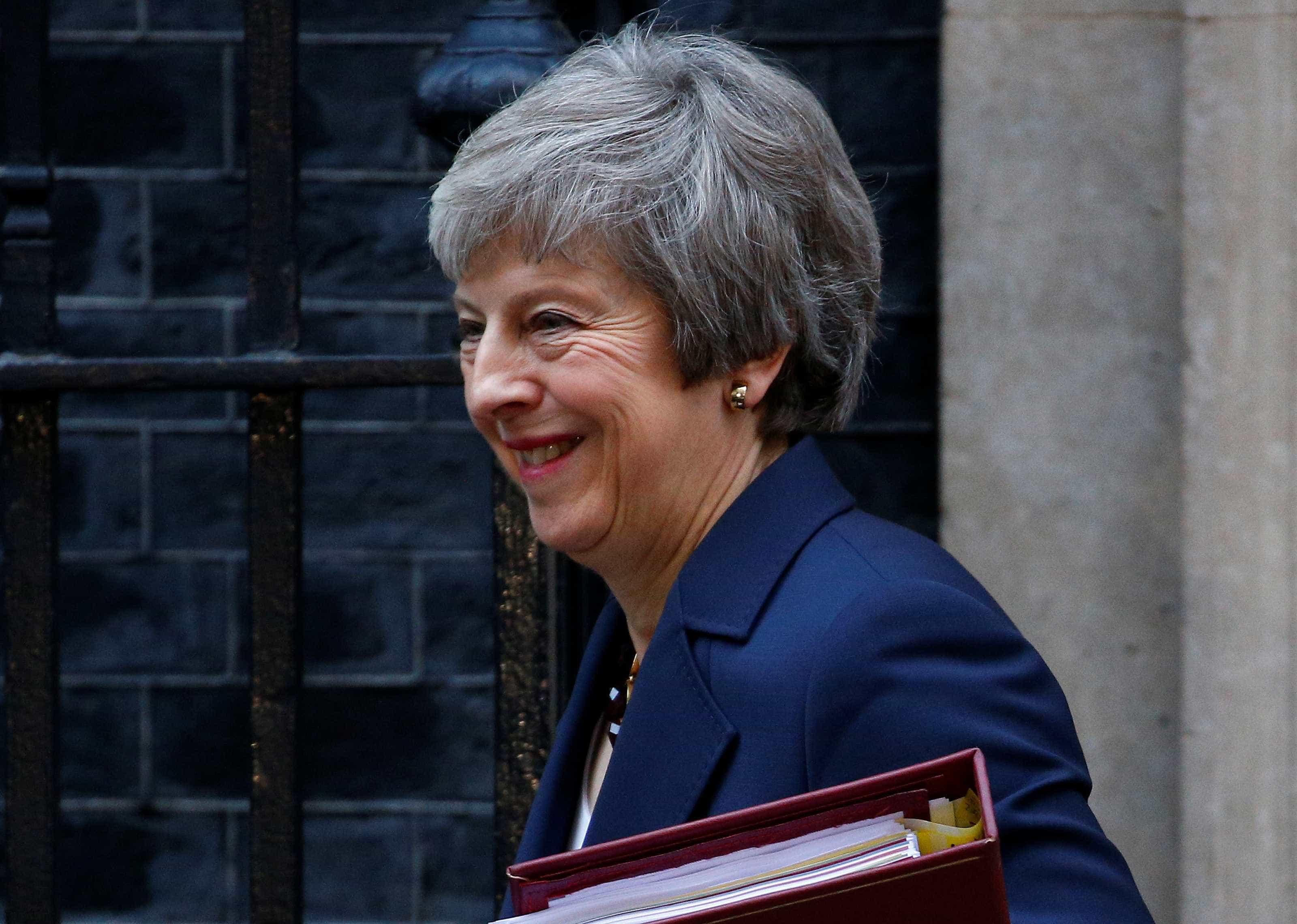 Theresa May diz que Brexit está 'significativamente mais próximo'