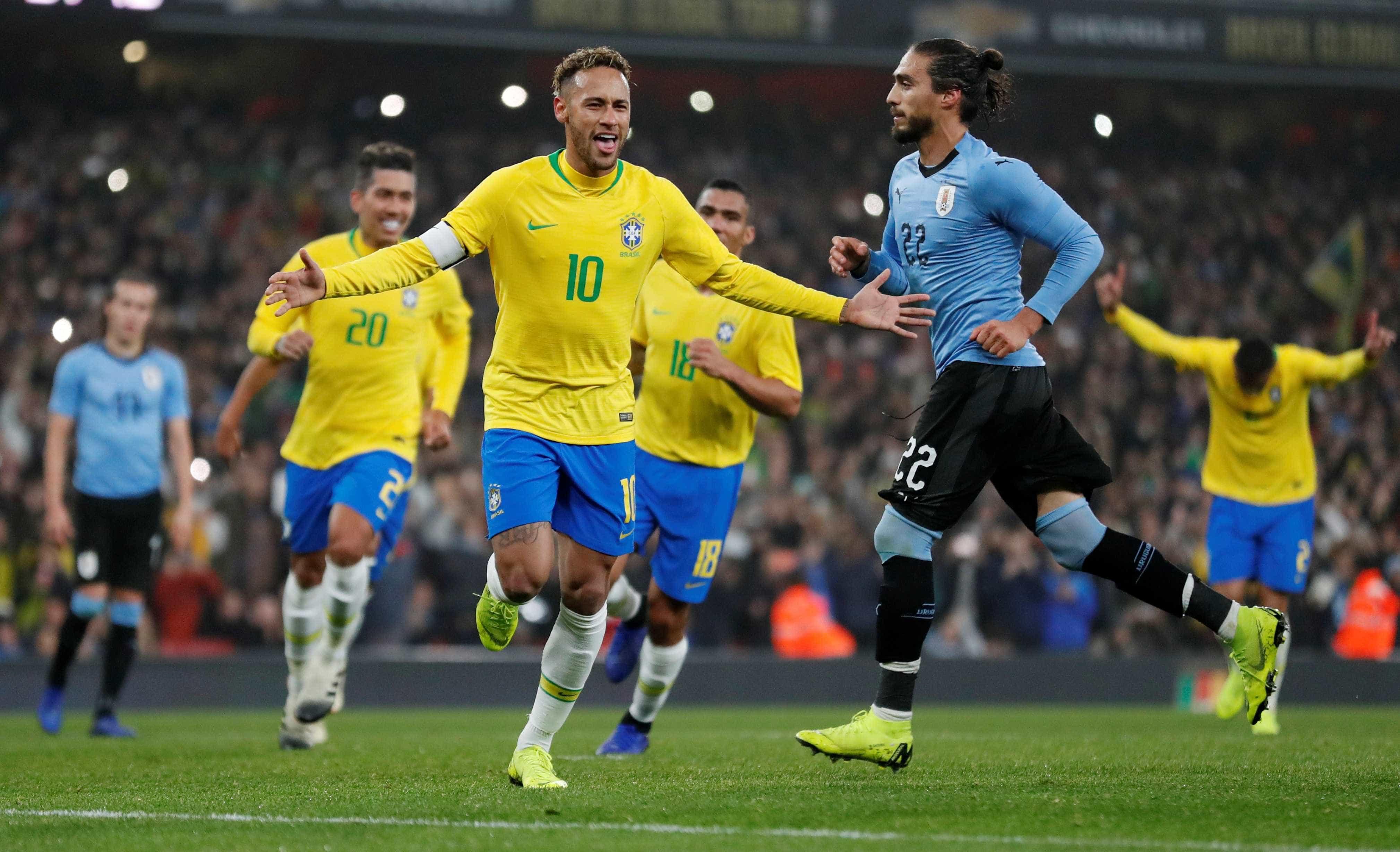 Brasil vence o Uruguai, mas tem dificuldades no 2º teste real após Copa