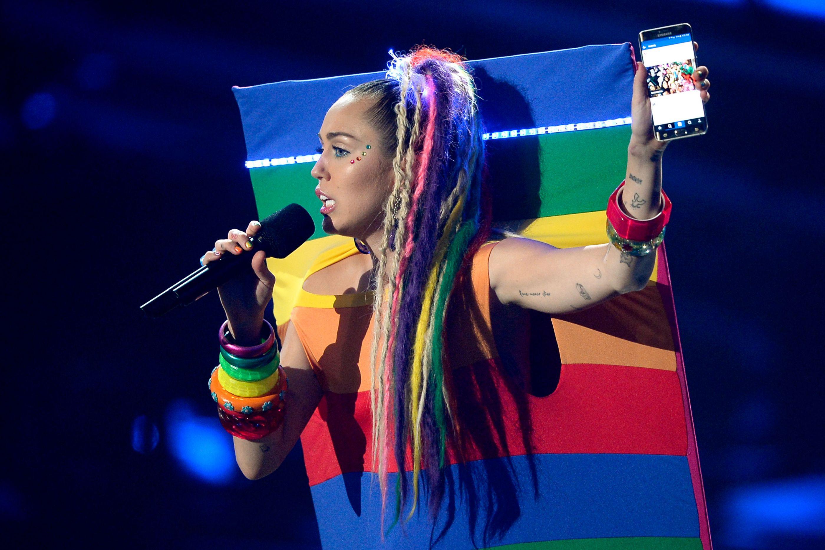 Nova temporada de 'Black Mirror' terá a presença de Miley Cyrus