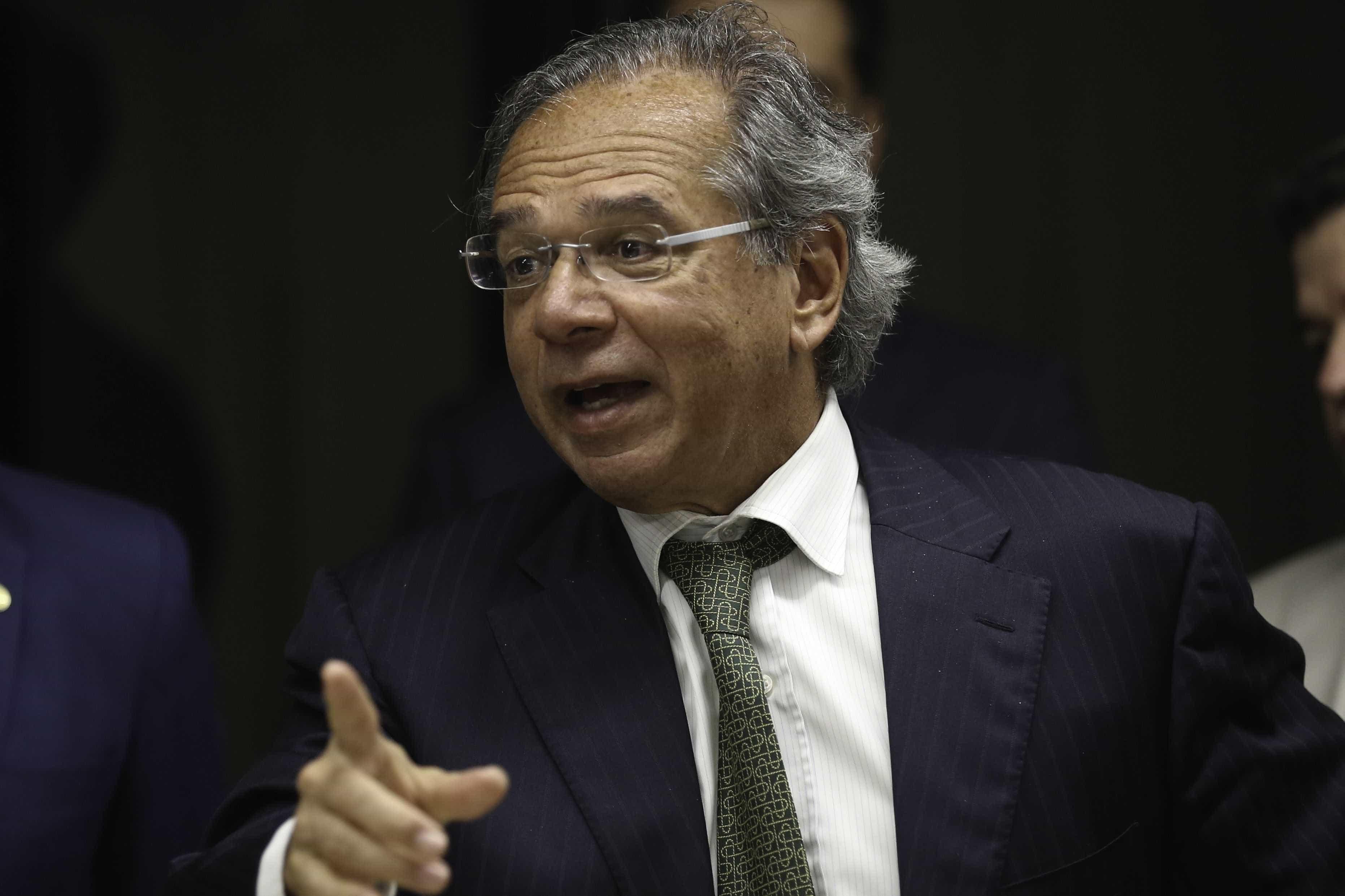 Todo jogo tem pênalti roubado no Itaquerão, diz ministro da Economia