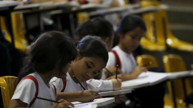 MEC prepara material para explicar nova política de alfabetização
