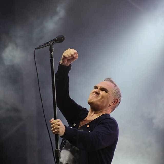 Morrissey toca clássicos dos Smiths e faz cover do Pretenders em SP