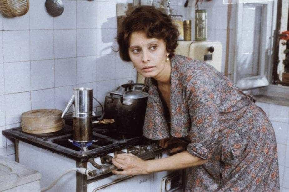 Robe usado por Sophia Loren em filme italiano vai a leilão