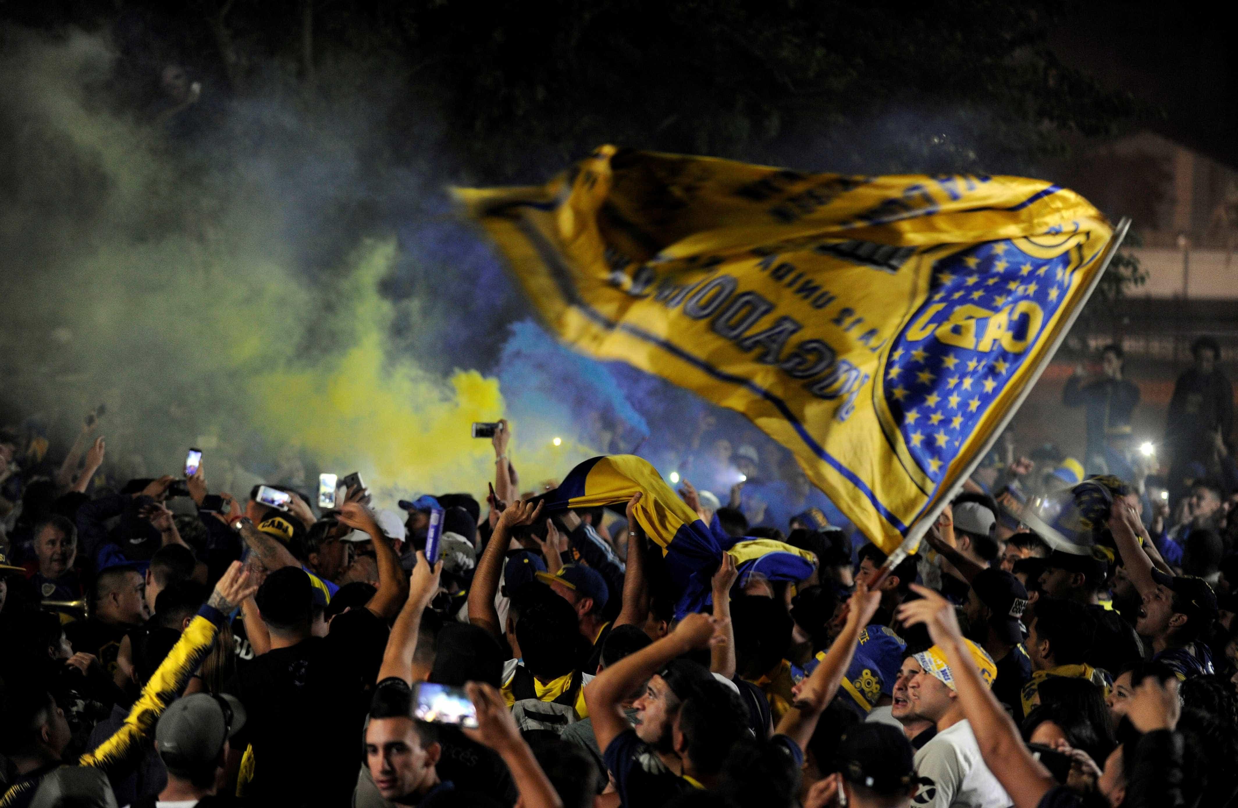 Espanha barra entrada de torcedor organizado do Boca em Madri