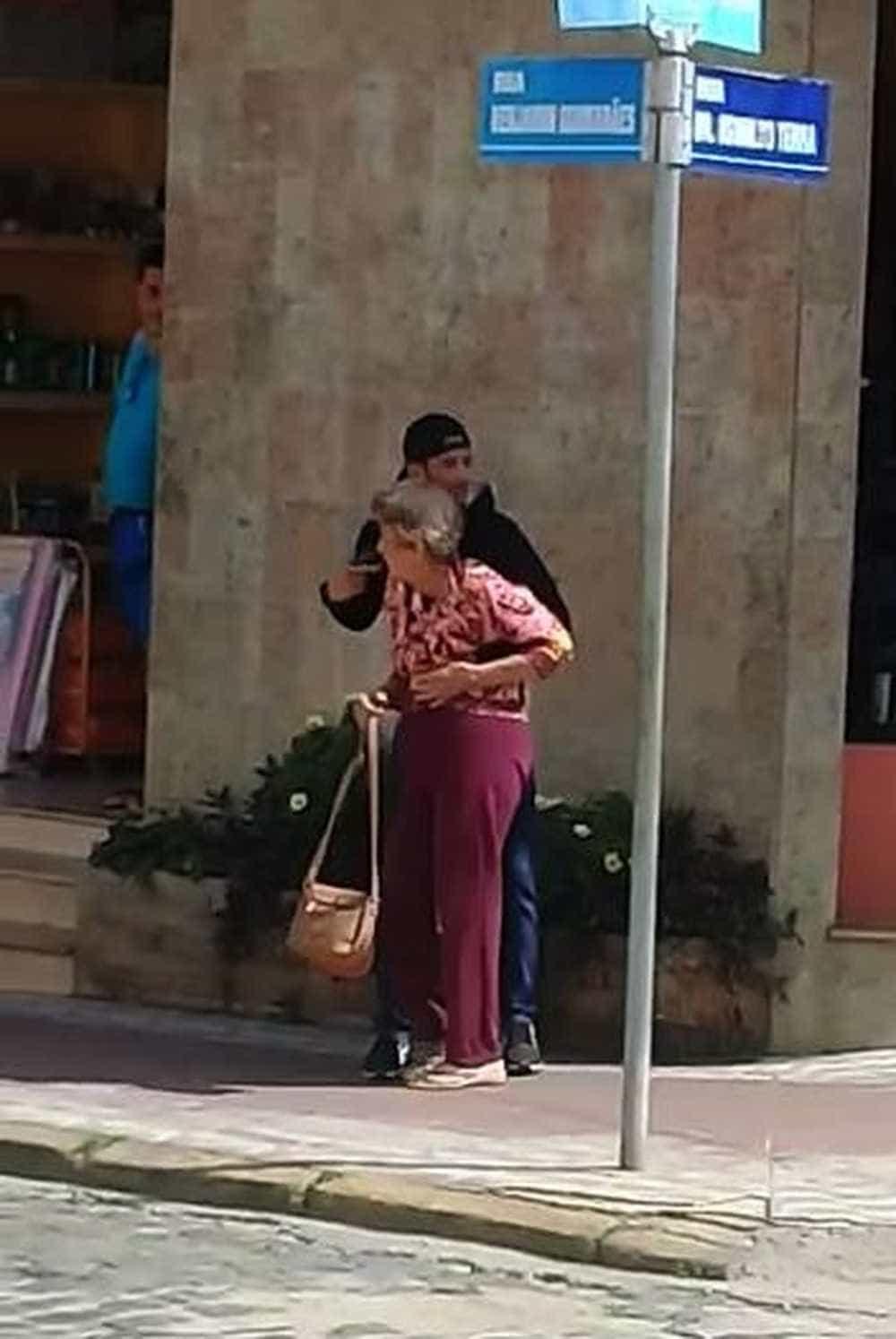 Bandido faz idosa refém durante assalto e é morto pela PM no RJ