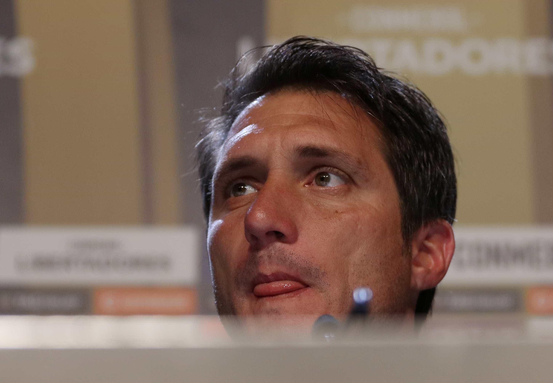 Técnico do Boca lamenta final em Madri e se esquiva sobre escalação