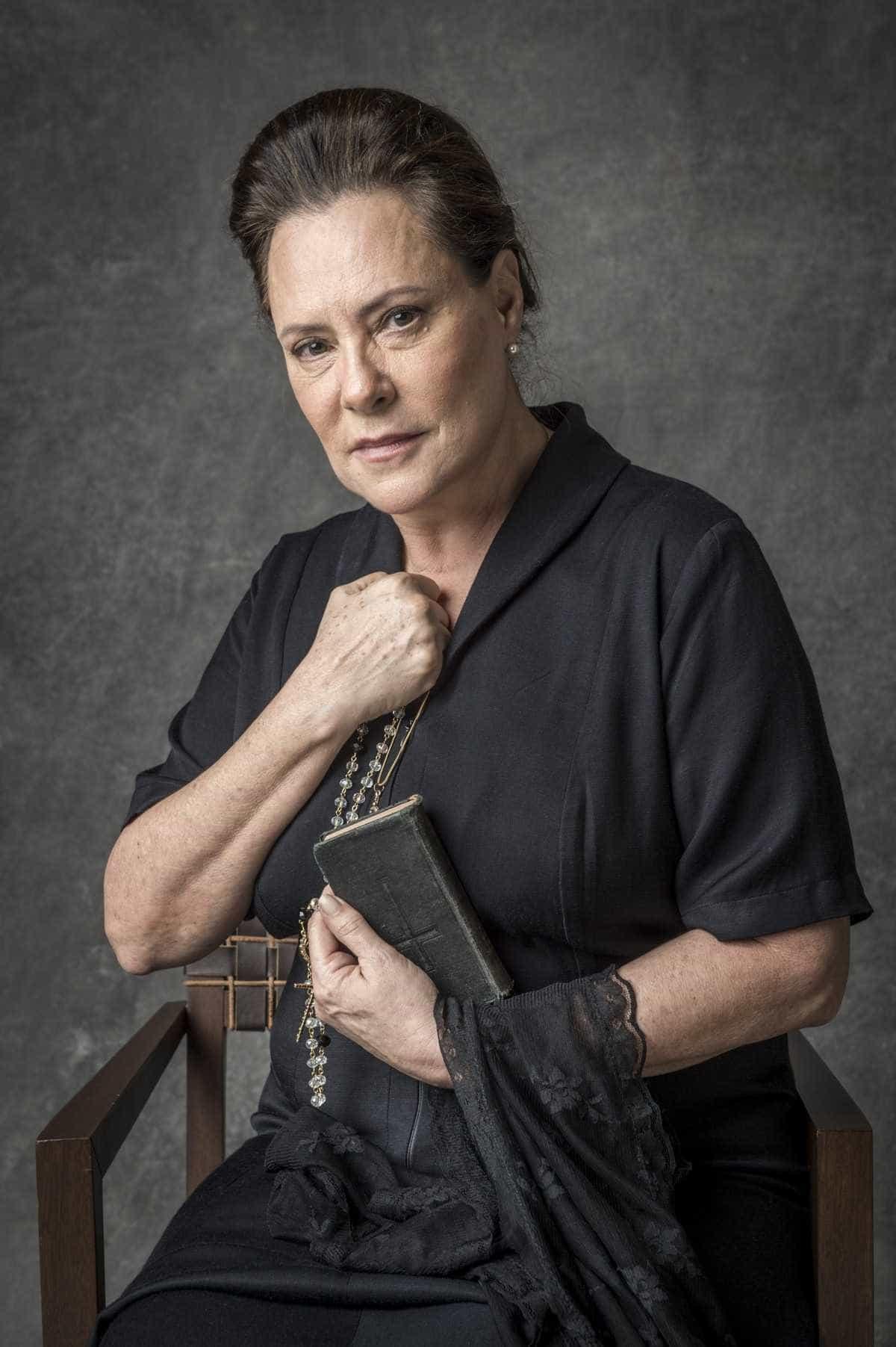 Elizabeth Savalla deixa gravações na Globo após marido sofrer AVC
