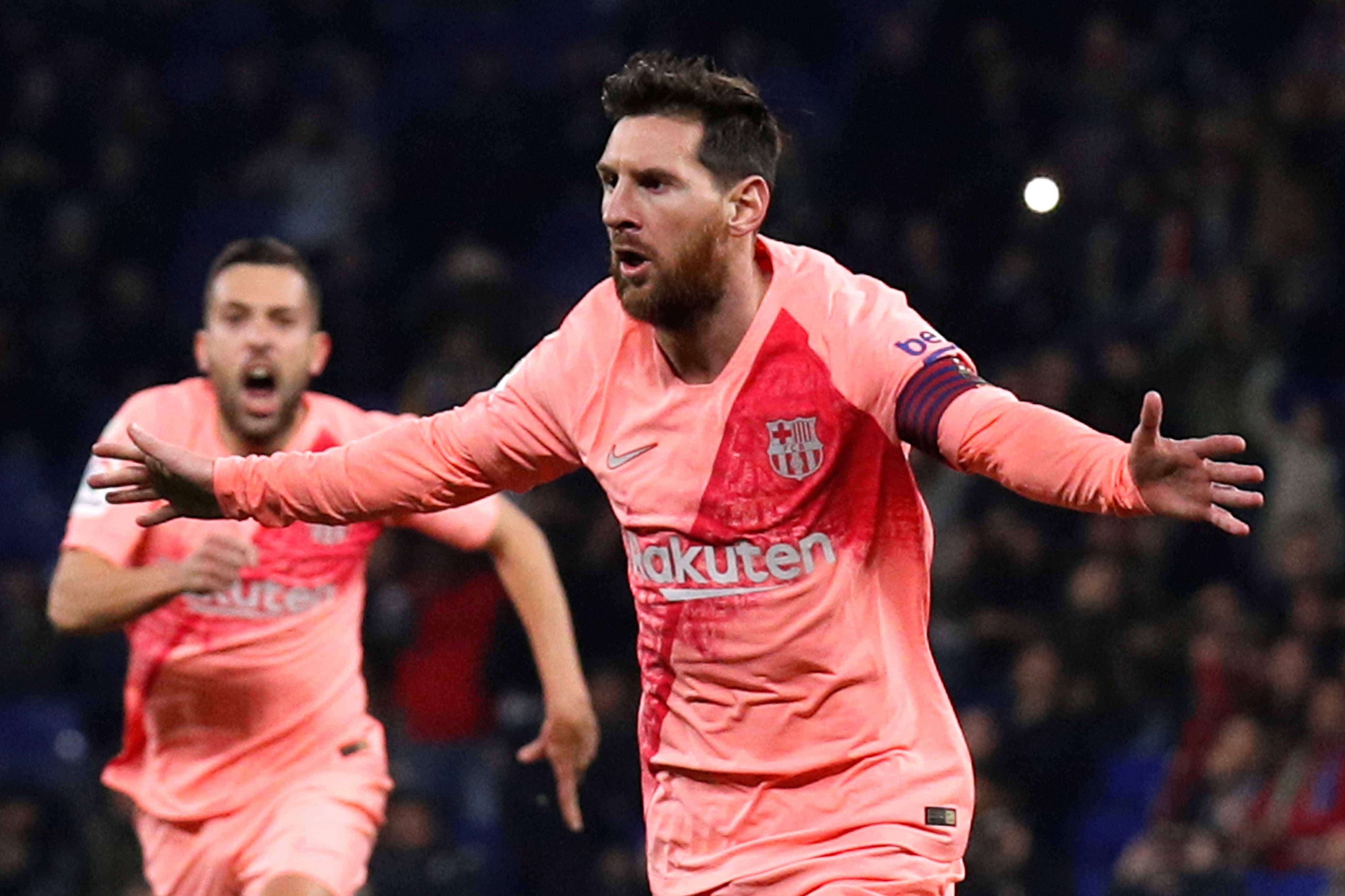 Messi 'calando' Pelé ofusca Boca x River na imprensa espanhola