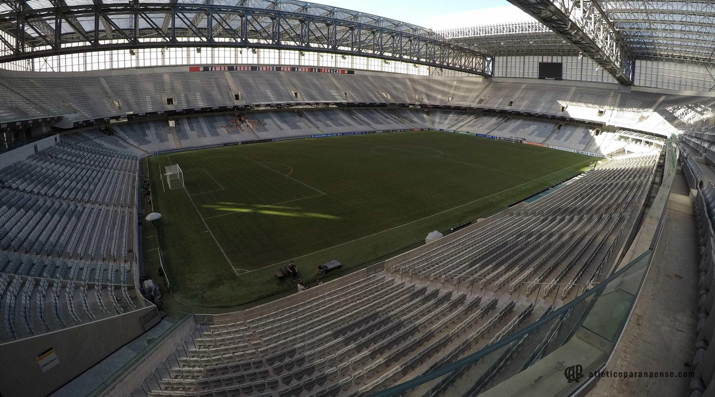 Atlético-PR busca vitória simples por 1º título internacional