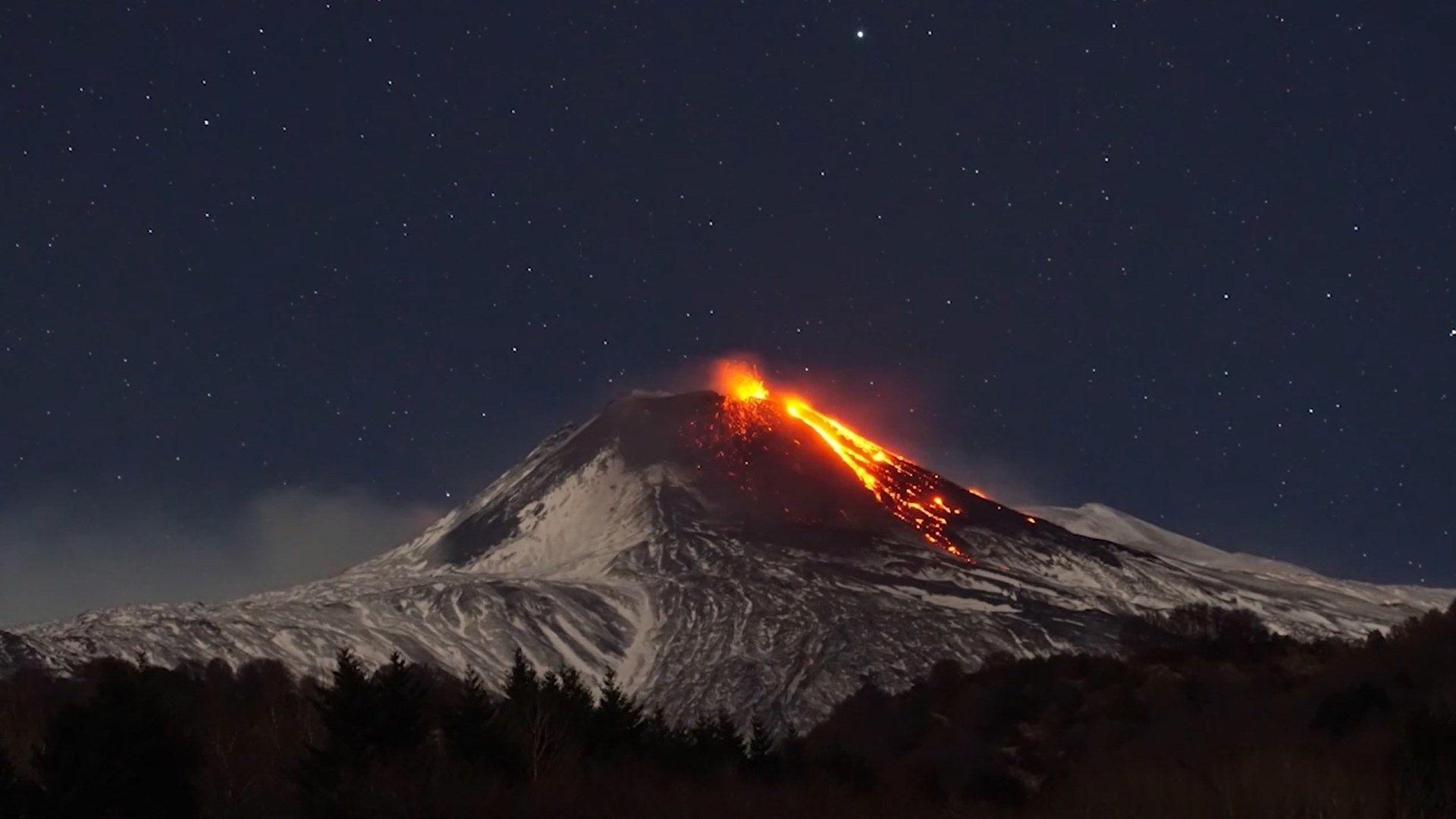 Timelapse impressionante capta erupção do Vulcão Etna