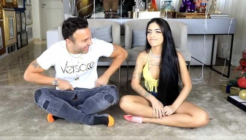 MC Mirella revela que já 'dormiu' com mais de uma pessoa no mesmo dia