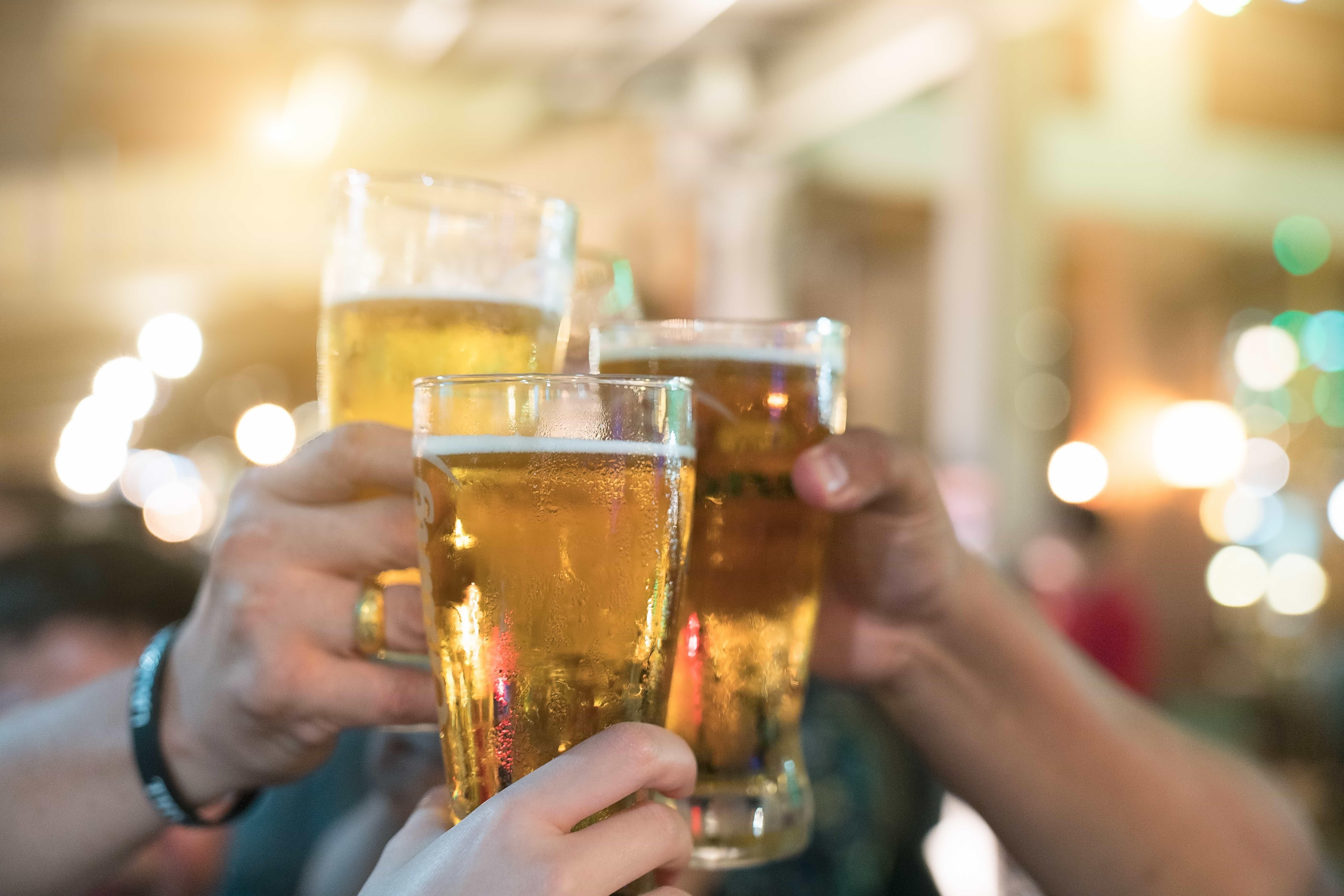 Bares e indústria de bebidas criticam limite proposto por ministro