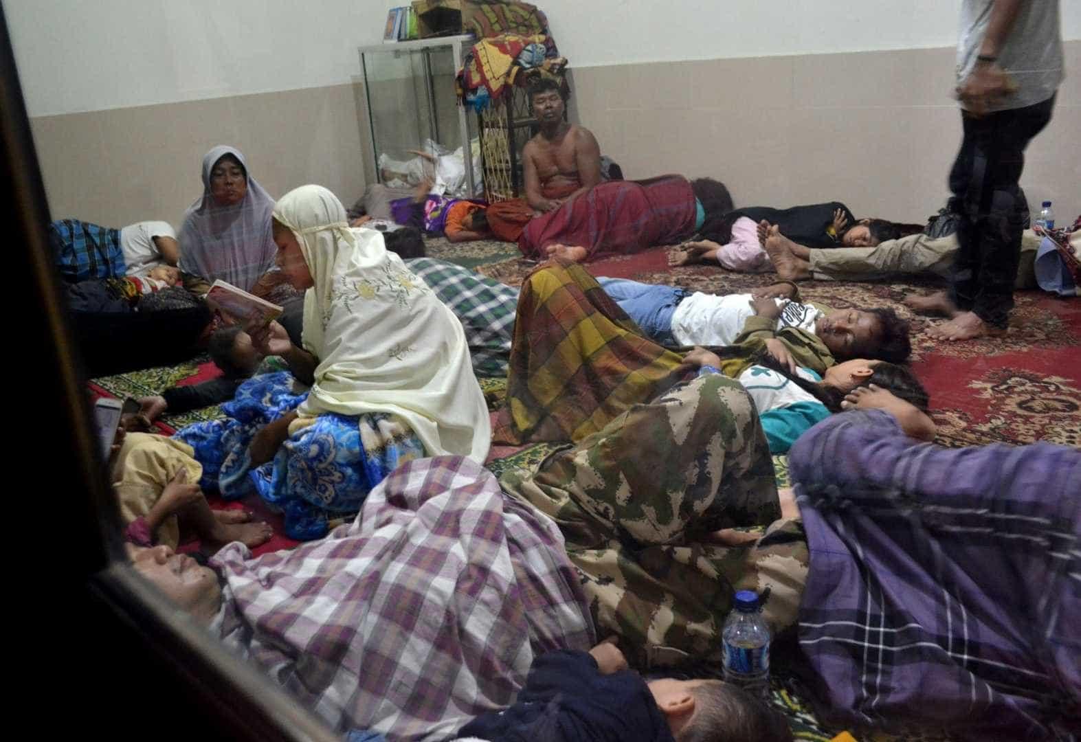 As imagens da destruição causada pelo tsunami na Indonésia