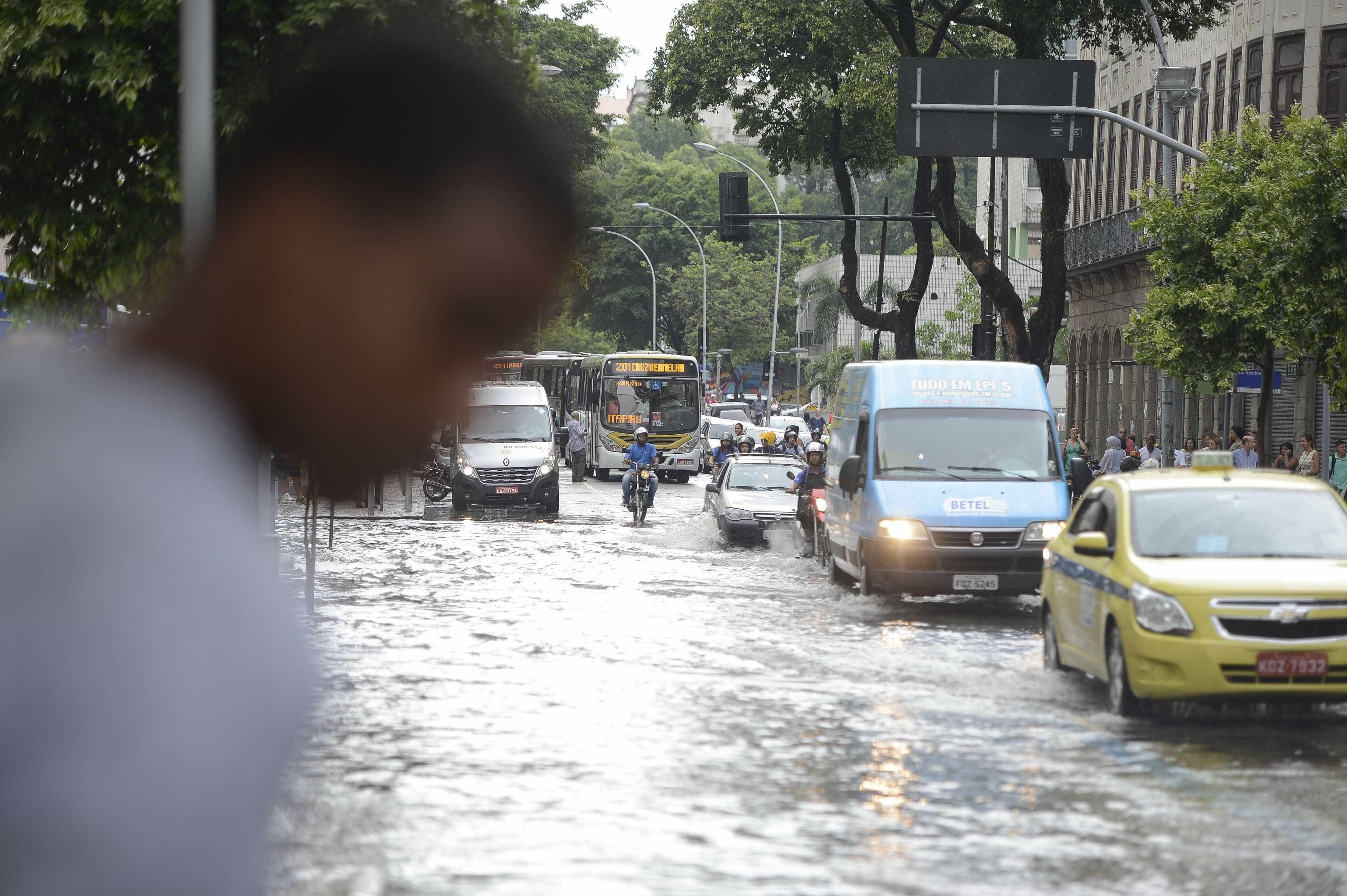 Chuvas: Município do Rio de Janeiro entra em estágio de atenção
