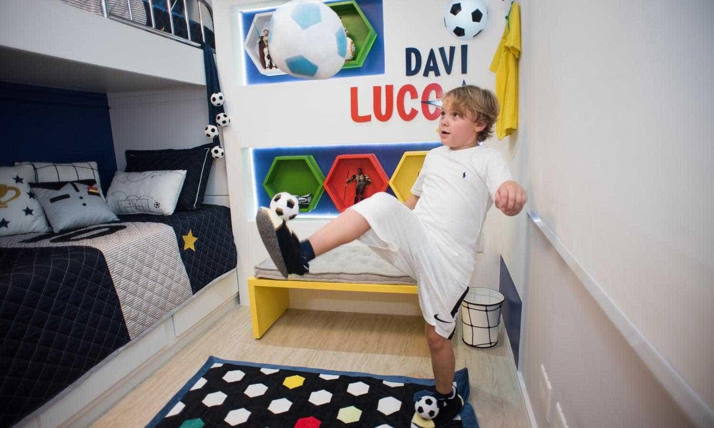 Carol Dantas mostra decoração do quarto de Davi Lucca; fotos