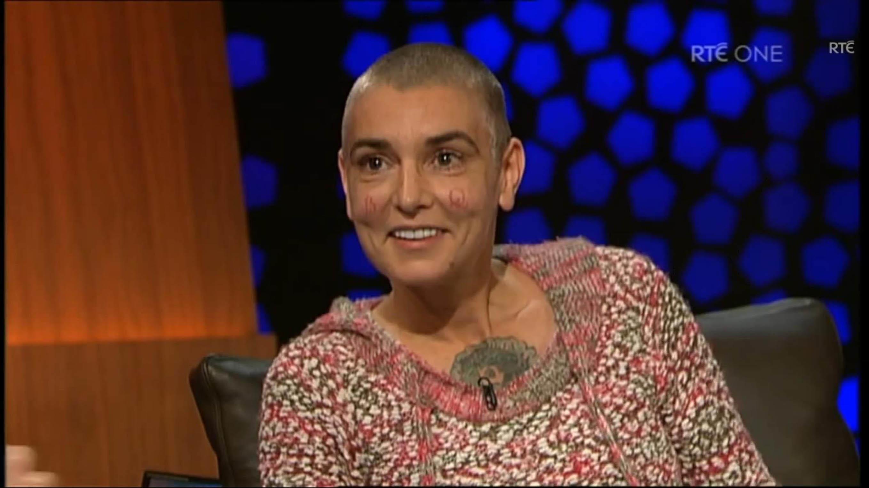 Ousadas: as celebridades que fizeram tatuagens no rosto