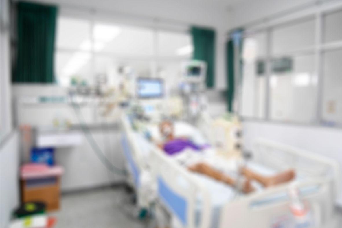 Paciente em coma há 14 anos dá à luz; polícia investiga estupro