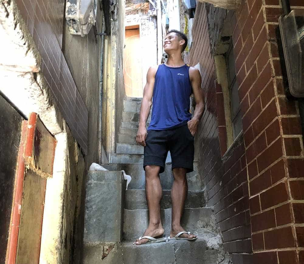 BBB: Morador da Rocinha, estudante de ciências biológicas vende picolé