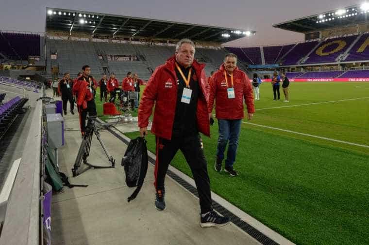 Abel Braga elogia Uribe e se diz satisfeito com estreia no Flamengo