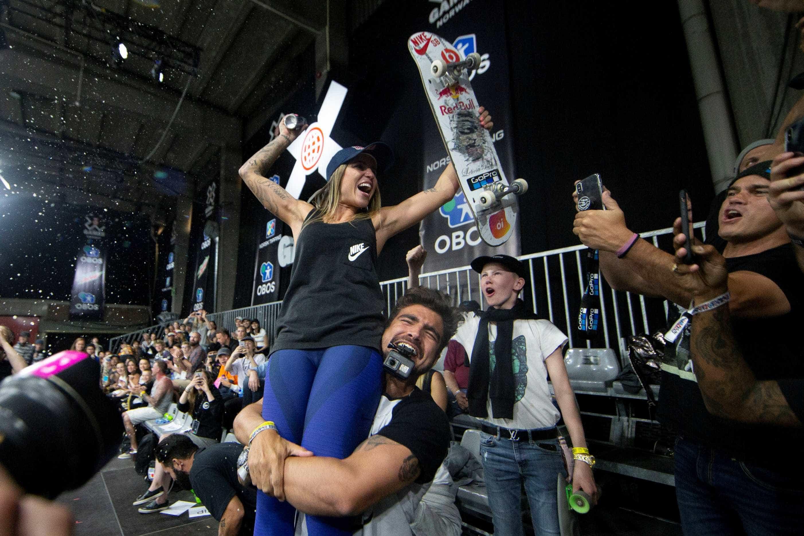 Leticia Bufoni conquista a prata no Mundial de skate street no Rio