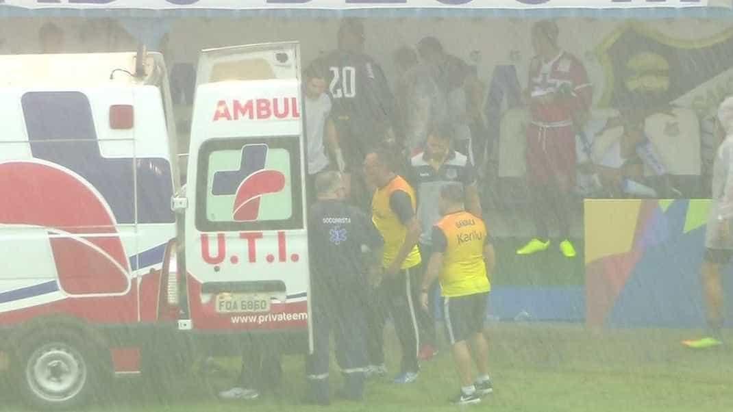 'Foi só um susto', diz jogador que passou mal por causa de raio