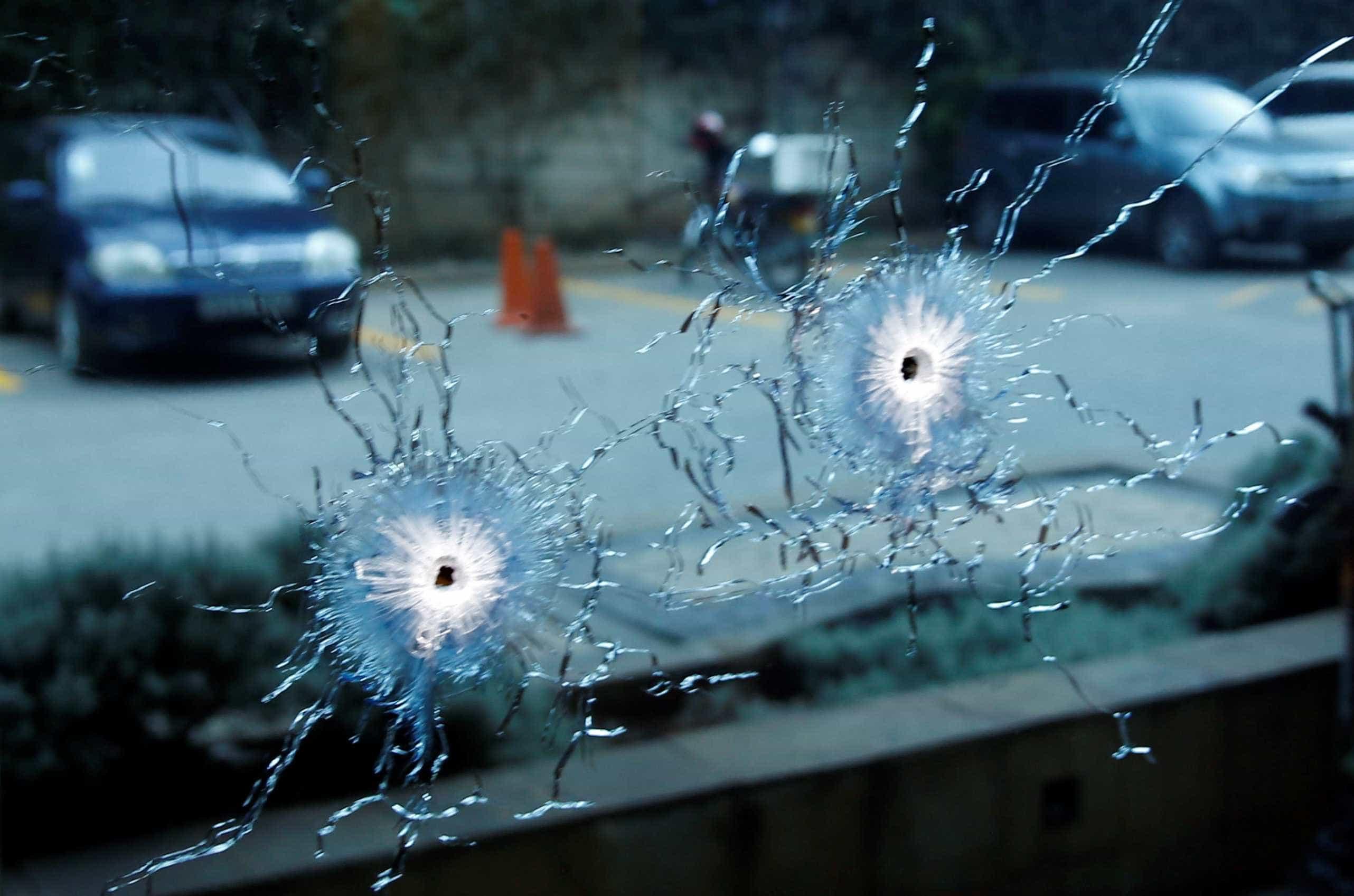 Criança é baleada após família entrar por engano em favela