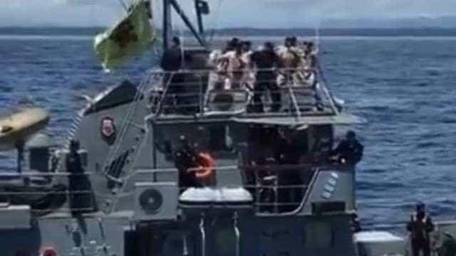 Militares dançam hit do verão em navio oficial e vídeo viraliza