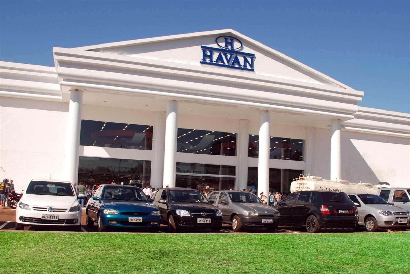 Queda de elevador deixa funcionários da Havan feridos em Maringá