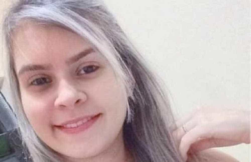 Jovem morre após namorado disparar arma dentro de casa em Fortaleza