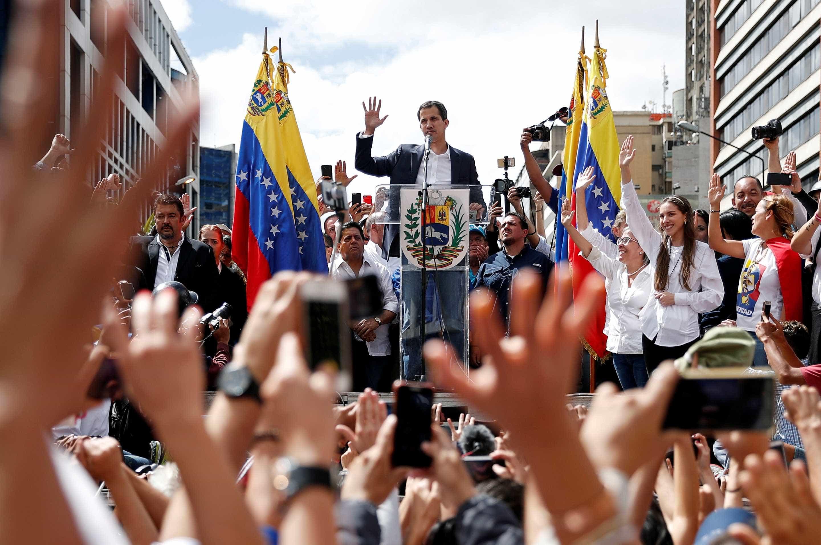 Juan Guaidó cogita anistia para Nicolás Maduro